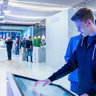 Messefotografie von der Agentur David Bock Marketing & Design aus Attendorn für die Messe IAA 2015 für den Kunden Mubea