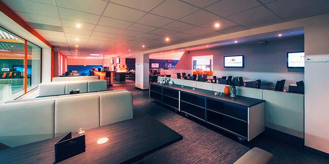 Ein Unternehmen inszeniert von der Marketing- und Design-Agentur David Bock aus Attendorn Südwestfalen - Fotografie-Players-Lounge