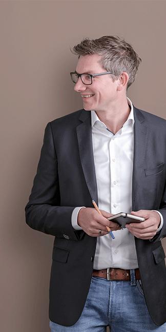 Brand und Markendesign für das Unternehmen Chr. Höver und Sohn | Traditionelle Schmiedetechnik im Einklang mit der Moderne - Realisiert durch die Agentur David Bock Marketing & Design - Mit einem Klick sehen Sie mehr!